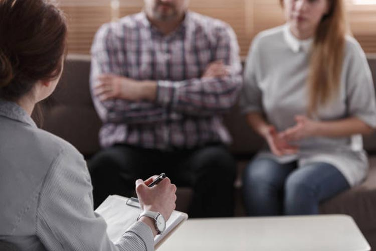 Important Questions to Ask a Divorce Mediator at the Initial Session